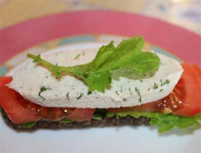 Бутерброды с сыроедческим сыром от Лили Чупруновой