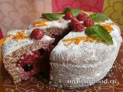 Праздничный сыроедческий торт
