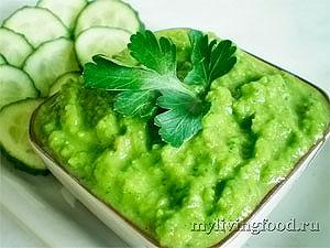 Сыроедческий зеленый соус
