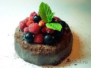 Пралине с шоколадом и ягодами