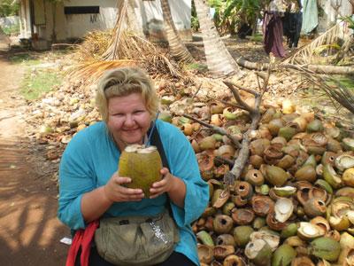 Кокосовые завтраки в Амритапури (Индия 2008)