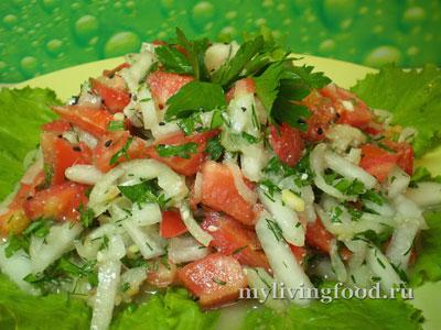 Салат с дыней и помидорами