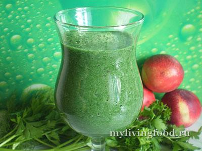 Зеленый коктейль со спирулиной