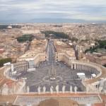 Вид на площадь Святого Петра с купола Собора (Ватикан)