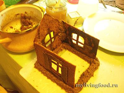 Устанавливаем пряничный домик на фундамент
