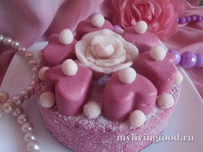 Розовый торт-мороженое