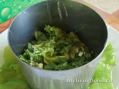 Как приготовить салат с колбасой и окрошку... по-сыроедчески?!