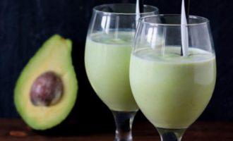 Бразильский коктейль из авокадо