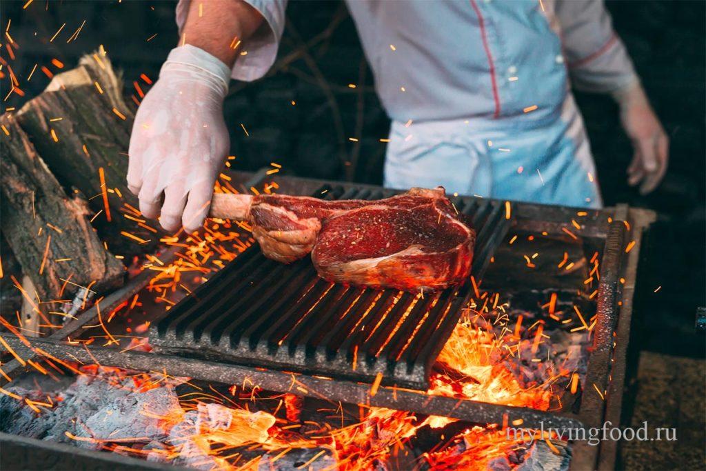 Как пожарить стейк на гриле