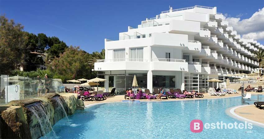 Fergus Style Cala Blanca Suites Majorca Family Hotel